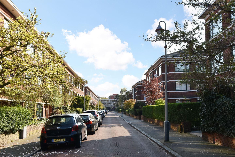 View photo 3 of Van Neckstraat 79