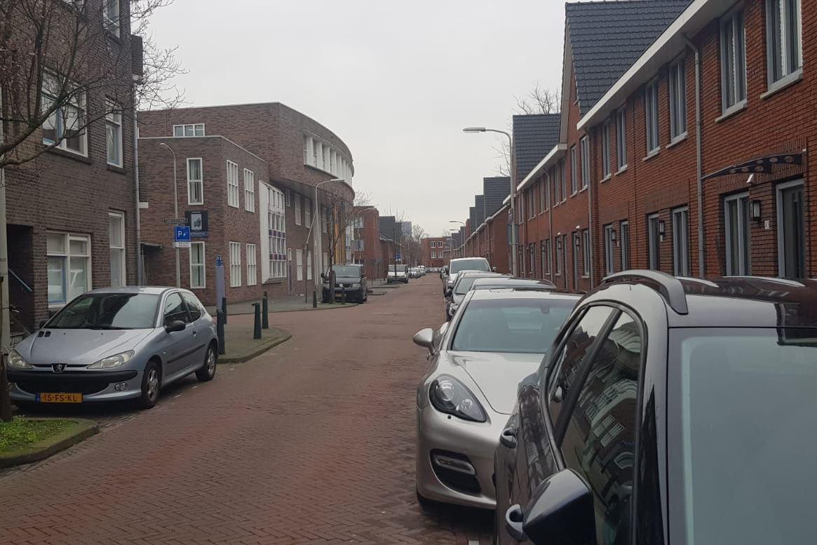 Bekijk foto 2 van Abraham van Beyerenstraat 39