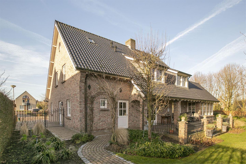 Bekijk foto 1 van Van Schaesbergstraat 6