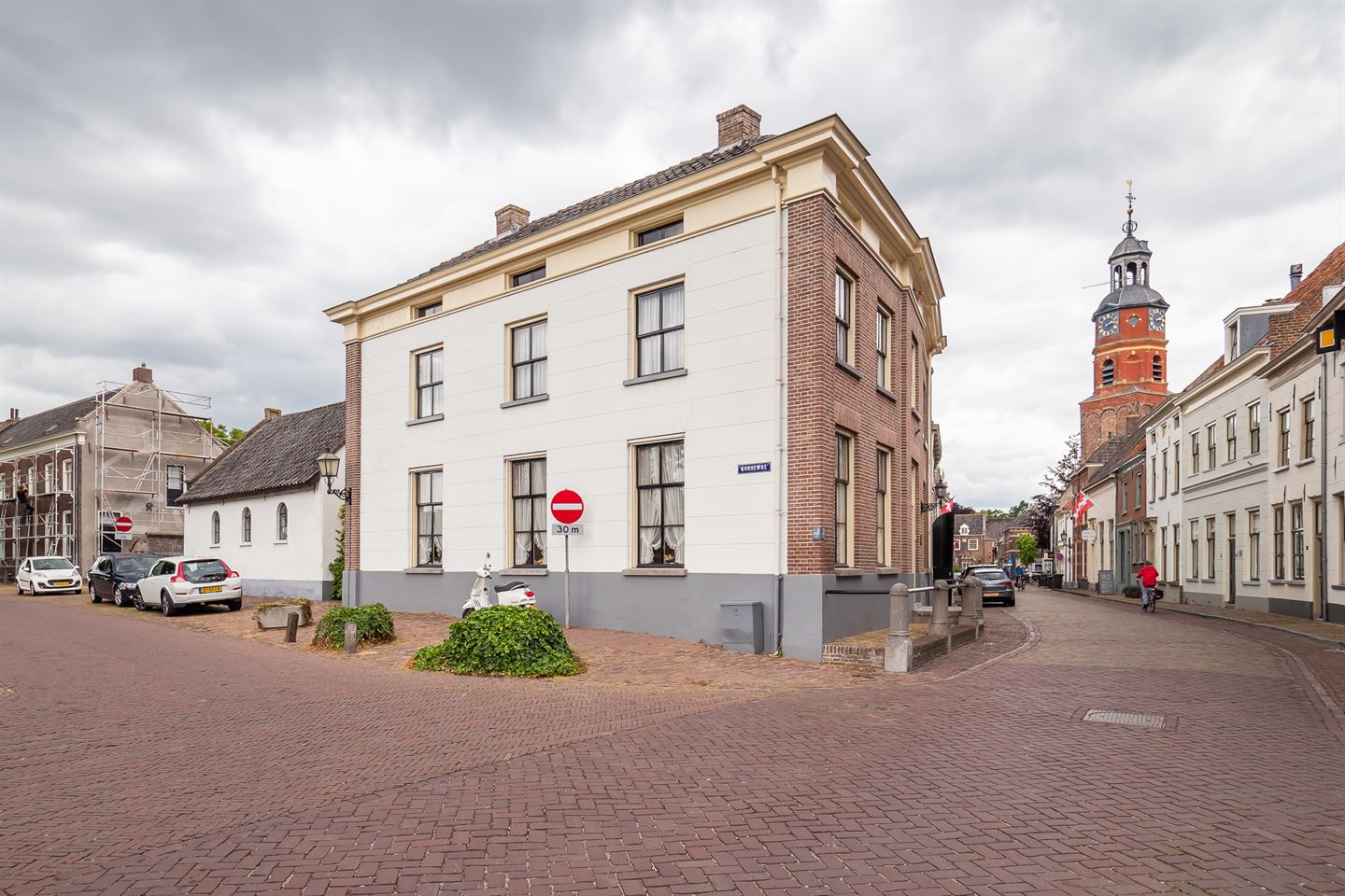 View photo 2 of Peperstraat 24