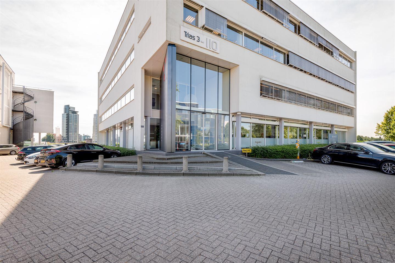 Bekijk foto 2 van K.P. van der Mandelelaan 110