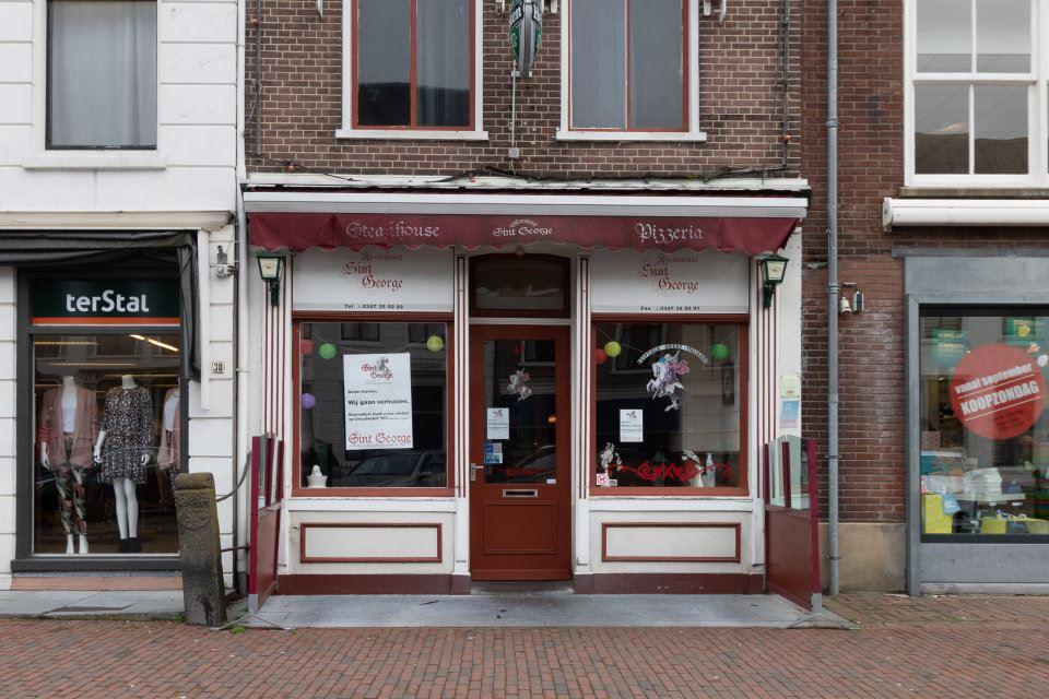 Bekijk foto 1 van Voorstraat 42