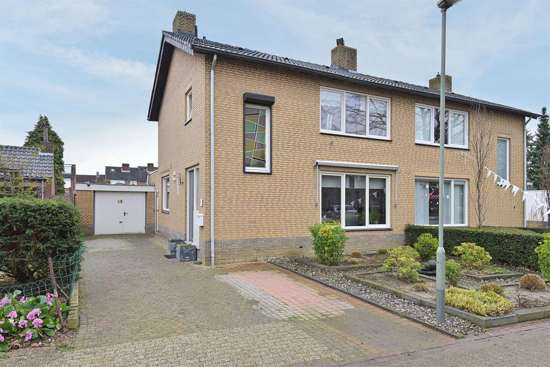 Bekijk foto 1 van Burg Schoolmeestersstraat 28
