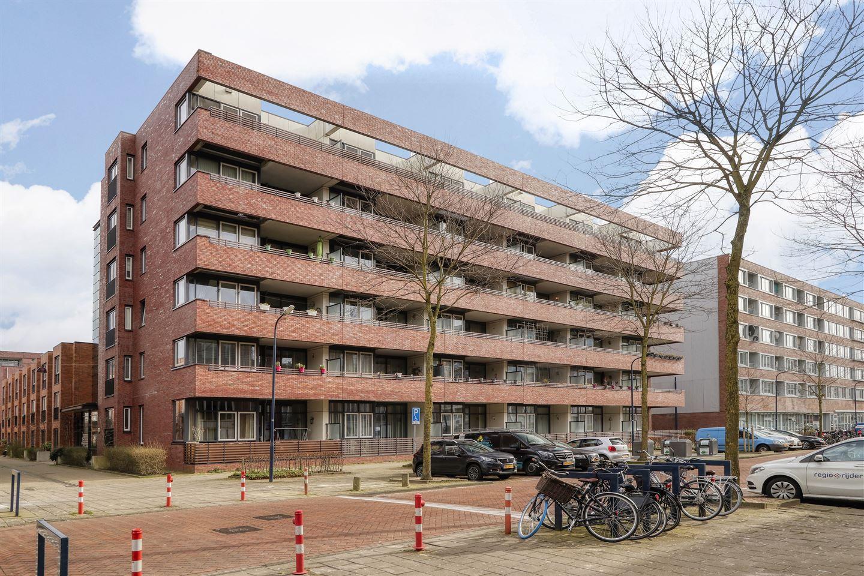 Bekijk foto 1 van Johan Hofmanstraat 100