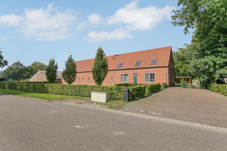 View photo 1 of Hoogeindsestraat 3