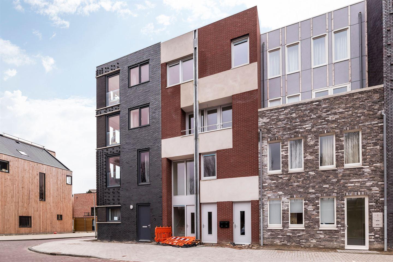 Bekijk foto 1 van IJsselmeerstraat 76 B