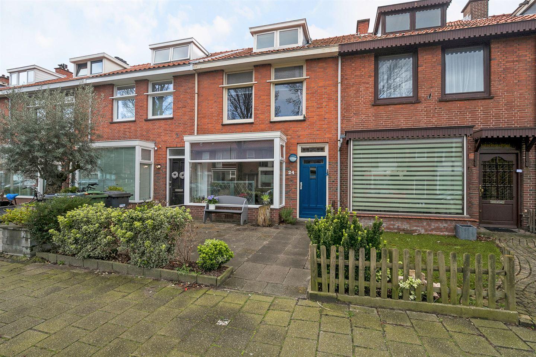 Bekijk foto 1 van Dr van den Brinkstraat 24