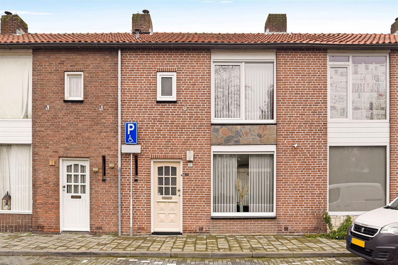 Bekijk foto 1 van Zalmstraat 21