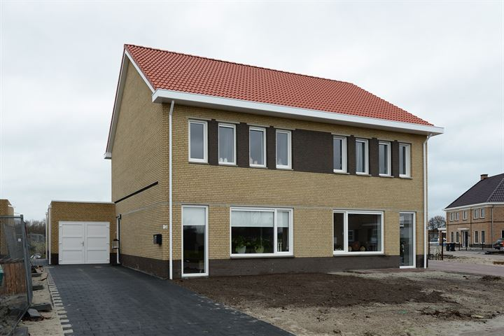 Twee-onder-één-kapwoningen Harm Koningstraat