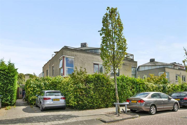 L.J.M. Beelstraat 18