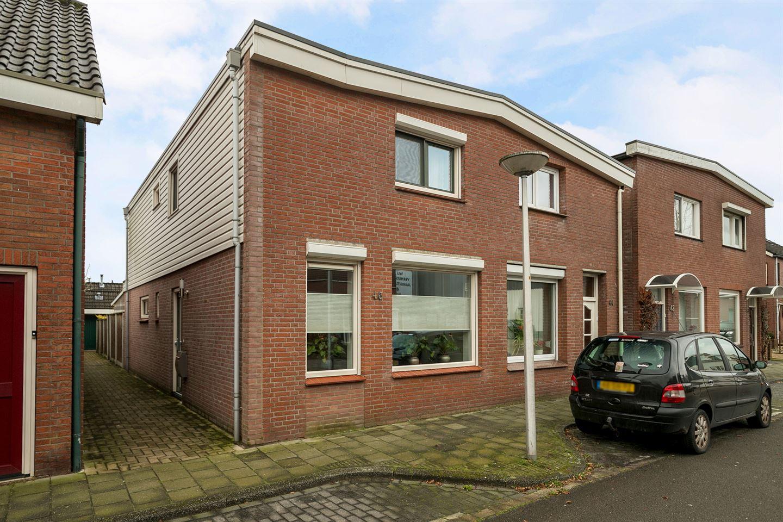 Bekijk foto 4 van Veldstraat 46