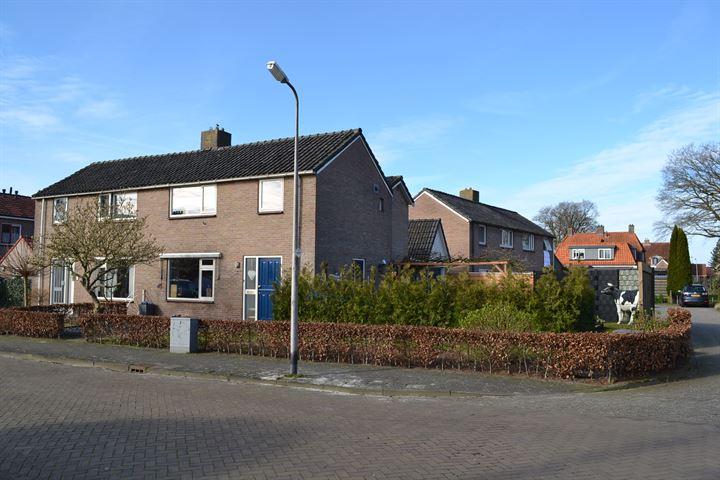 Dokter Broekhoffstraat 14