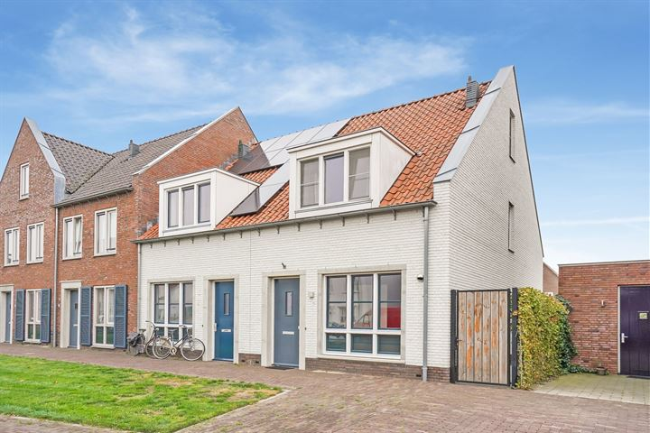 Pr van Oranjestraat 11