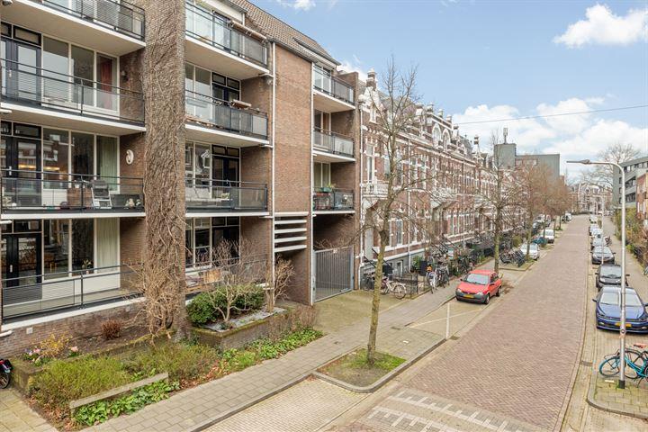 Jacob Canisstraat 84