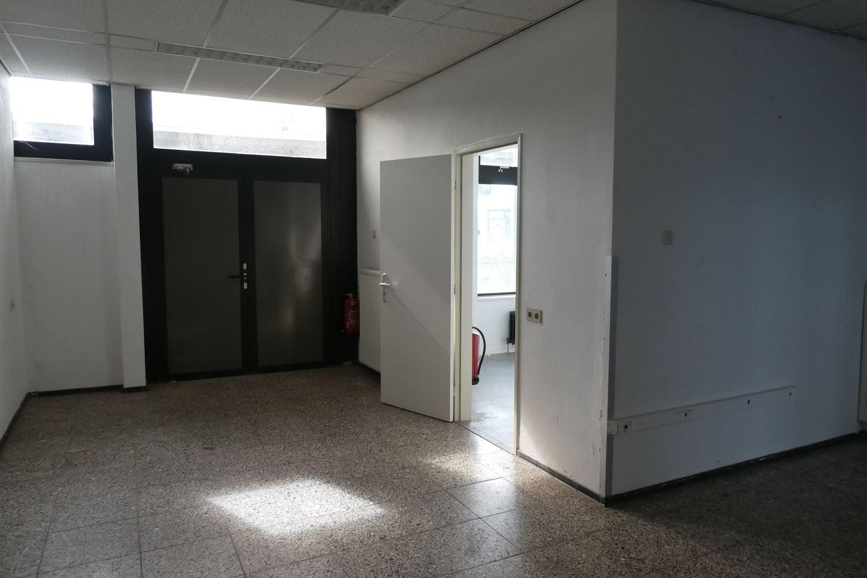 Bekijk foto 3 van Stationsplein 7