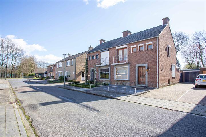 Burg. Hausmansstraat 10