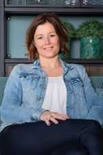 Linda Toet (Secretaresse)