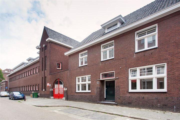 Begijnhofstraat 12