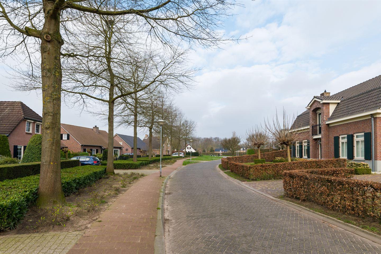 View photo 4 of Landweg 5
