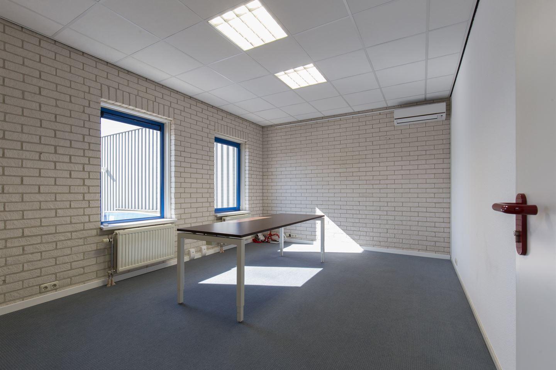 Bekijk foto 4 van Max Planckstraat 26