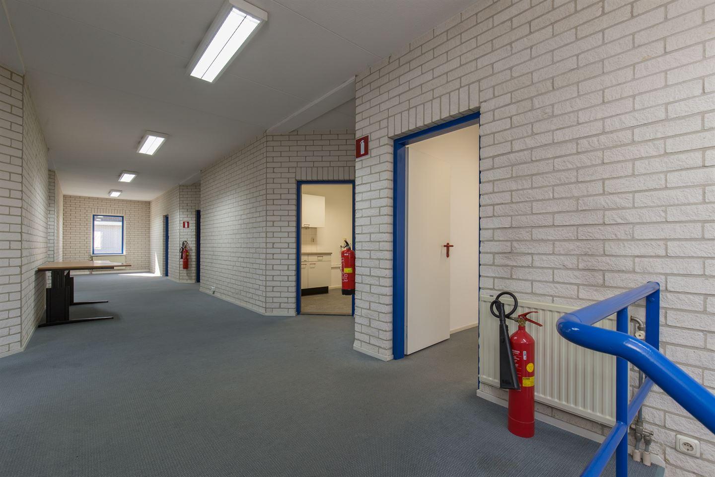 Bekijk foto 3 van Max Planckstraat 26