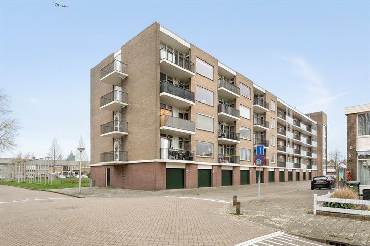 Oranjehof 77