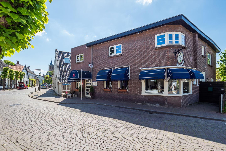 View photo 2 of Overstraat 18
