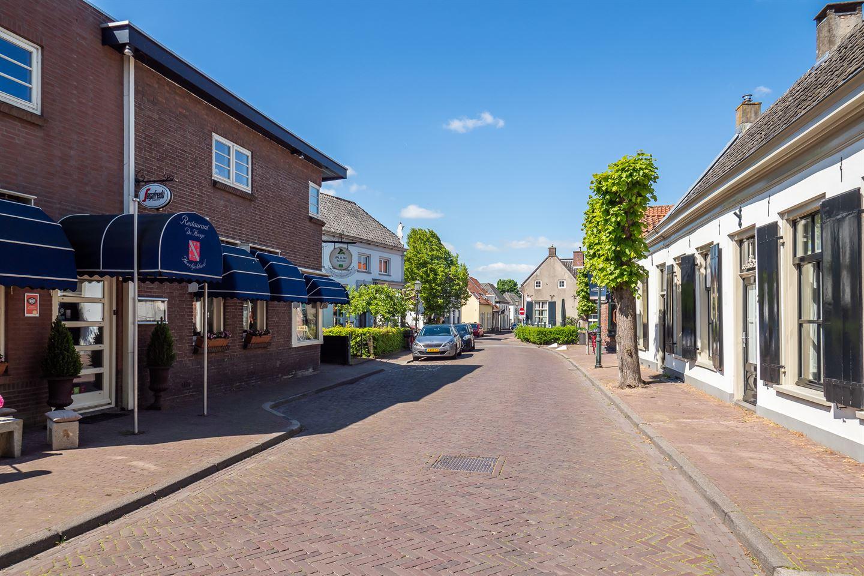 View photo 3 of Overstraat 18