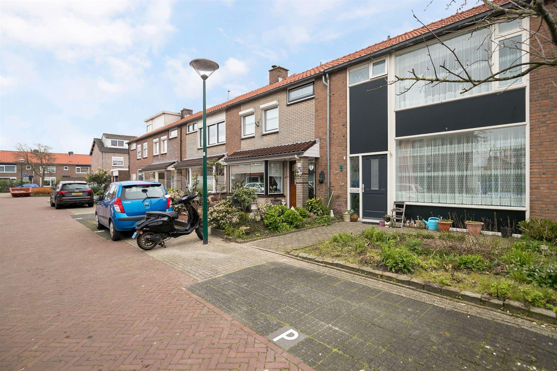 Bekijk foto 4 van Floris van Dijckstraat 9