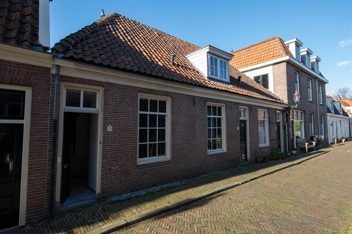 Middenstraat 76
