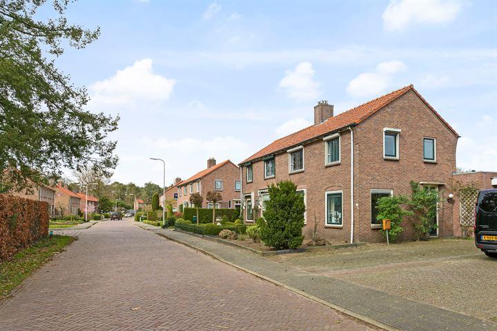 Van Damstraat 6