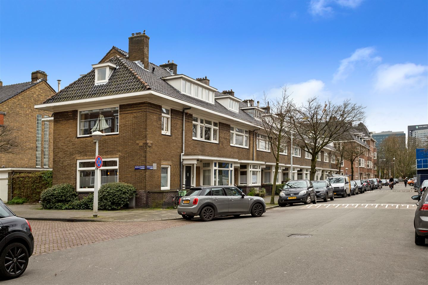 View photo 2 of Rubensstraat 75