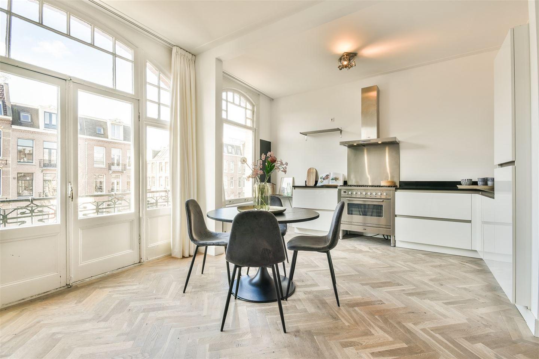 Bekijk foto 3 van Van Baerlestraat 57 II