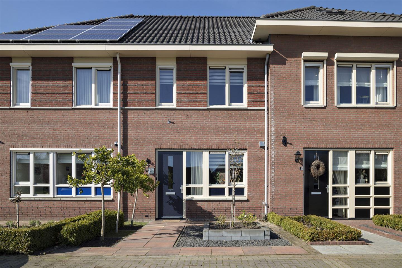 Bekijk foto 1 van Nannenbergstraat 6
