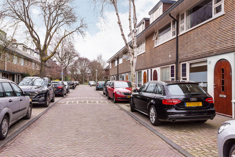 Bekijk foto 2 van Hugo de Vriesstraat 63
