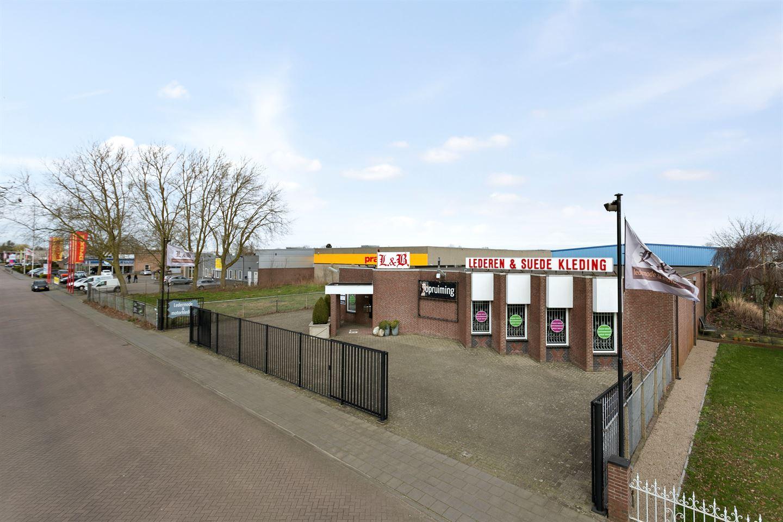 Bekijk foto 2 van Bosschendijk 205