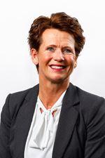 Angelien van Essen (Real estate agent assistant)