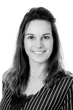 Tessa Linnebank (Real estate agent assistant)