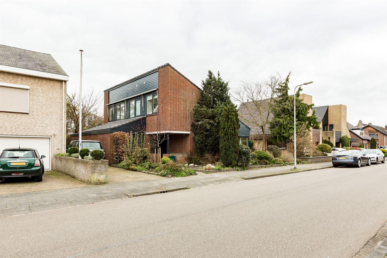 Bekijk foto 2 van Van Vredenburchlaan 65