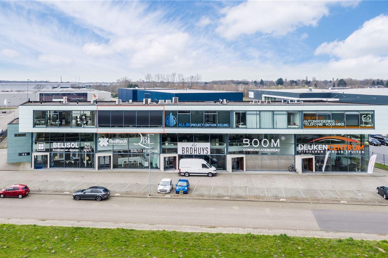 View photo 2 of Neerloopweg 38