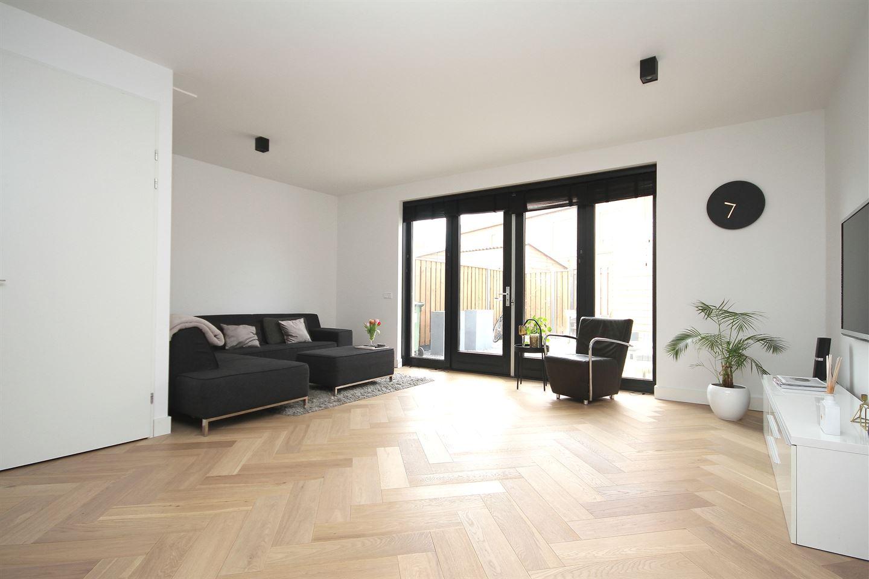 Bekijk foto 3 van Hertog Godfriedstraat 32