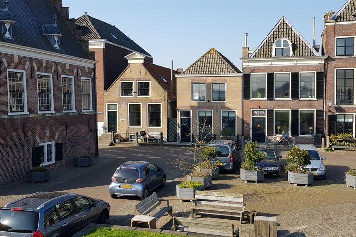 Voorstraat 2