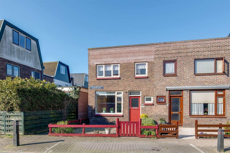 Bekijk foto 1 van Hugo de Grootstraat 1