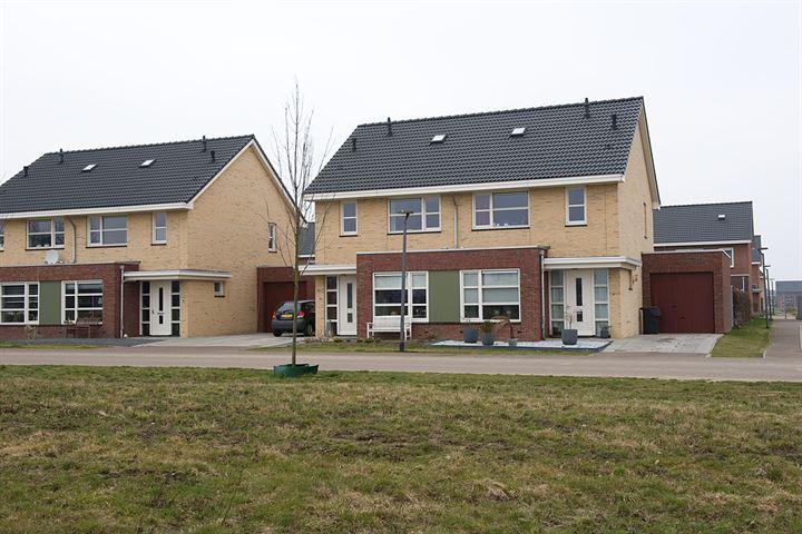 Helft van dubbel woonhuis met garage - type Lombard