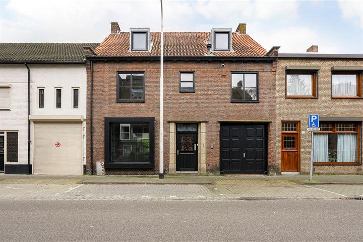 Hoefstraat 225