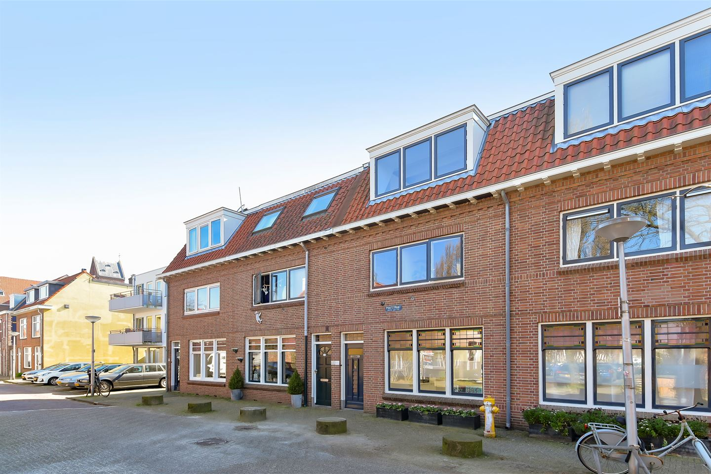 View photo 2 of Pootstraat 139