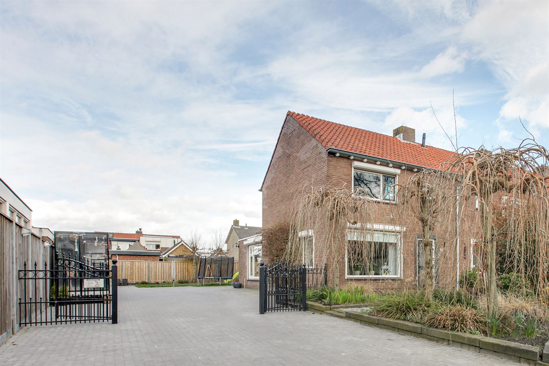 View photo 3 of Azaleastraat 15