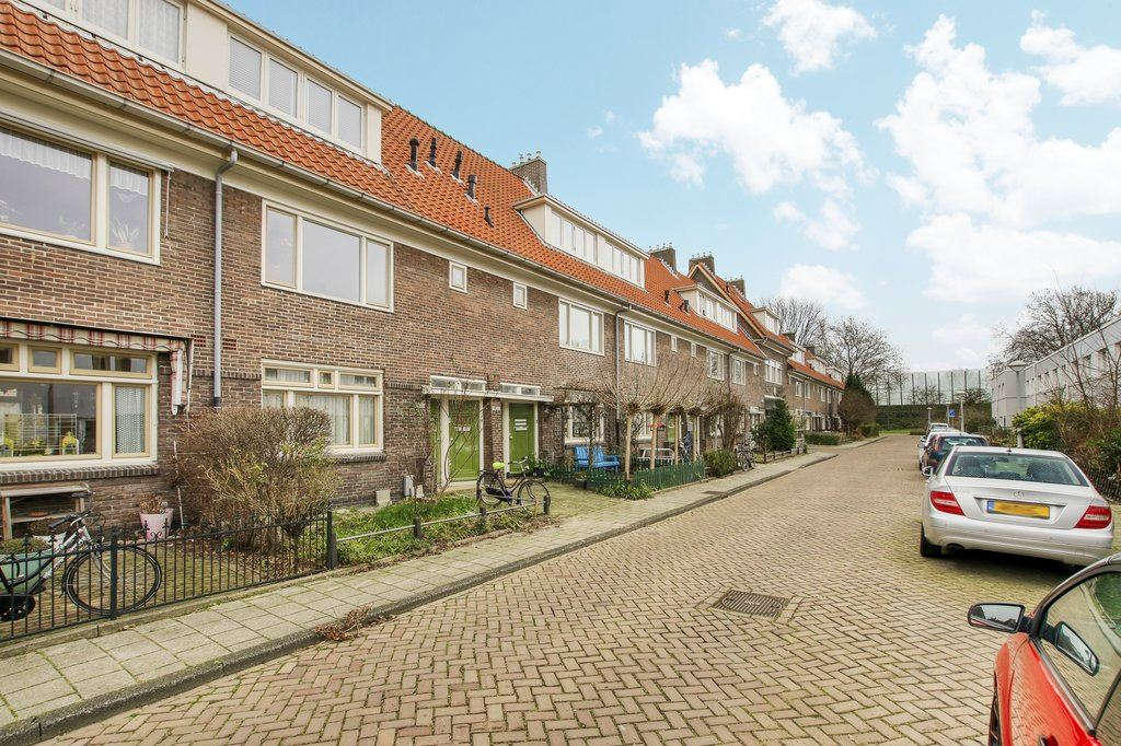 View photo 3 of Ploegstraat 181