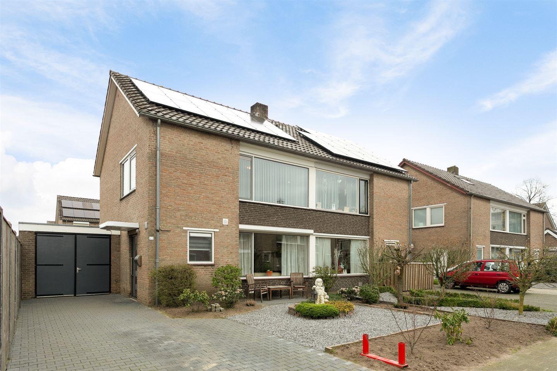 Bekijk foto 1 van Colijnstraat 42