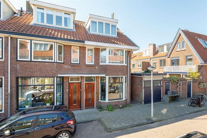 Van der Hoevenstraat 1